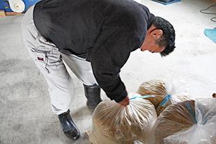 発酵2週間目の竹粉。